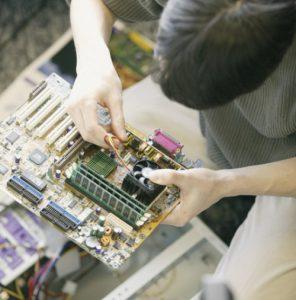 טכנאי מחשבים בתל אביב עד הבית